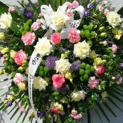 kwiaty wieniec napogrzeb
